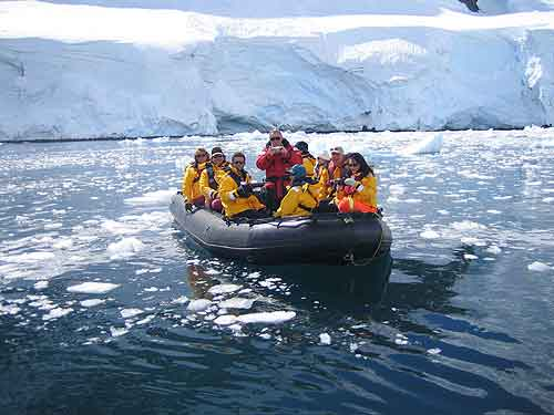 Travel to antarctica how you can and how much it costs for Can you go to antarctica